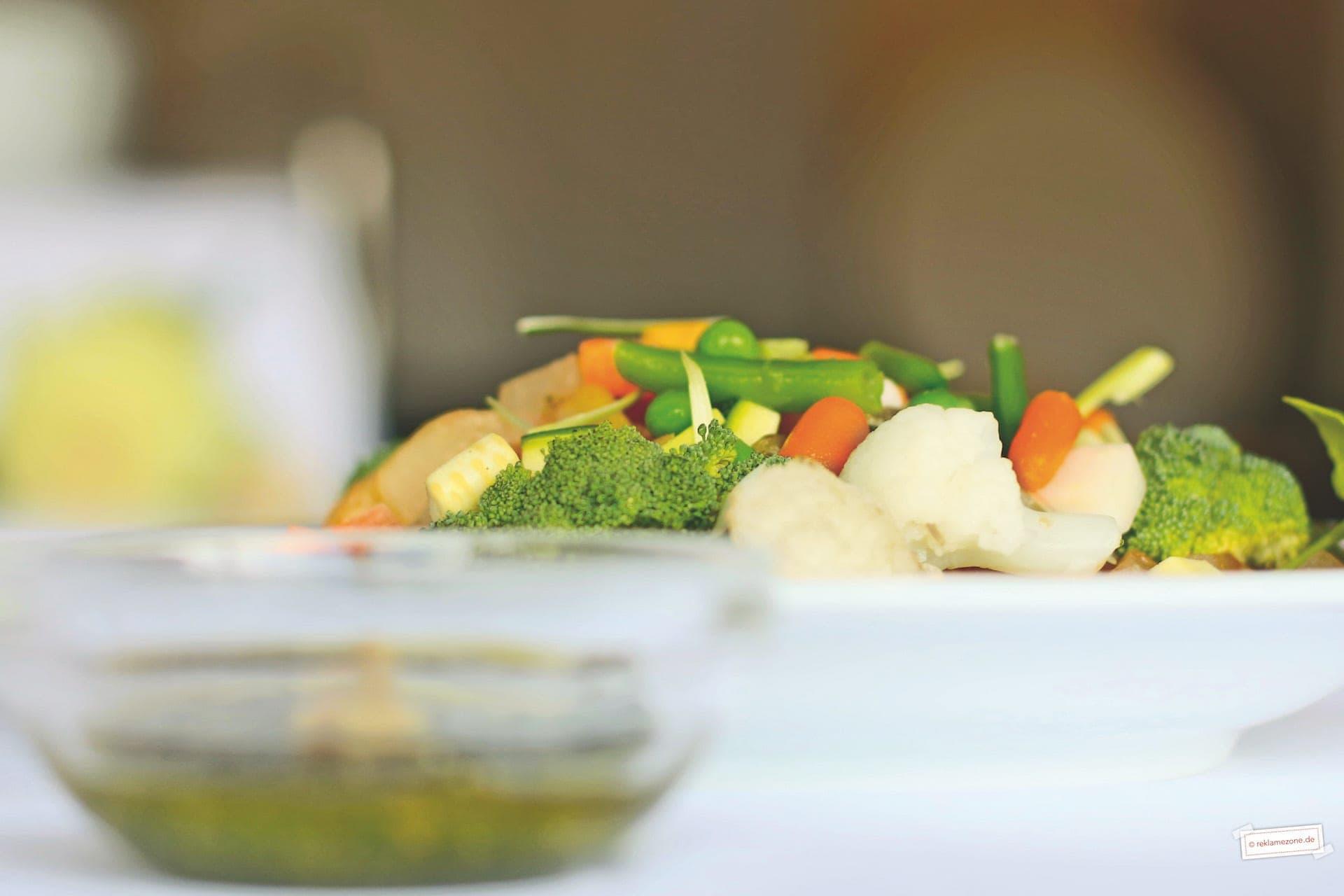 Gemüsesuppe mit Pesto - Foto: reklamezone.de