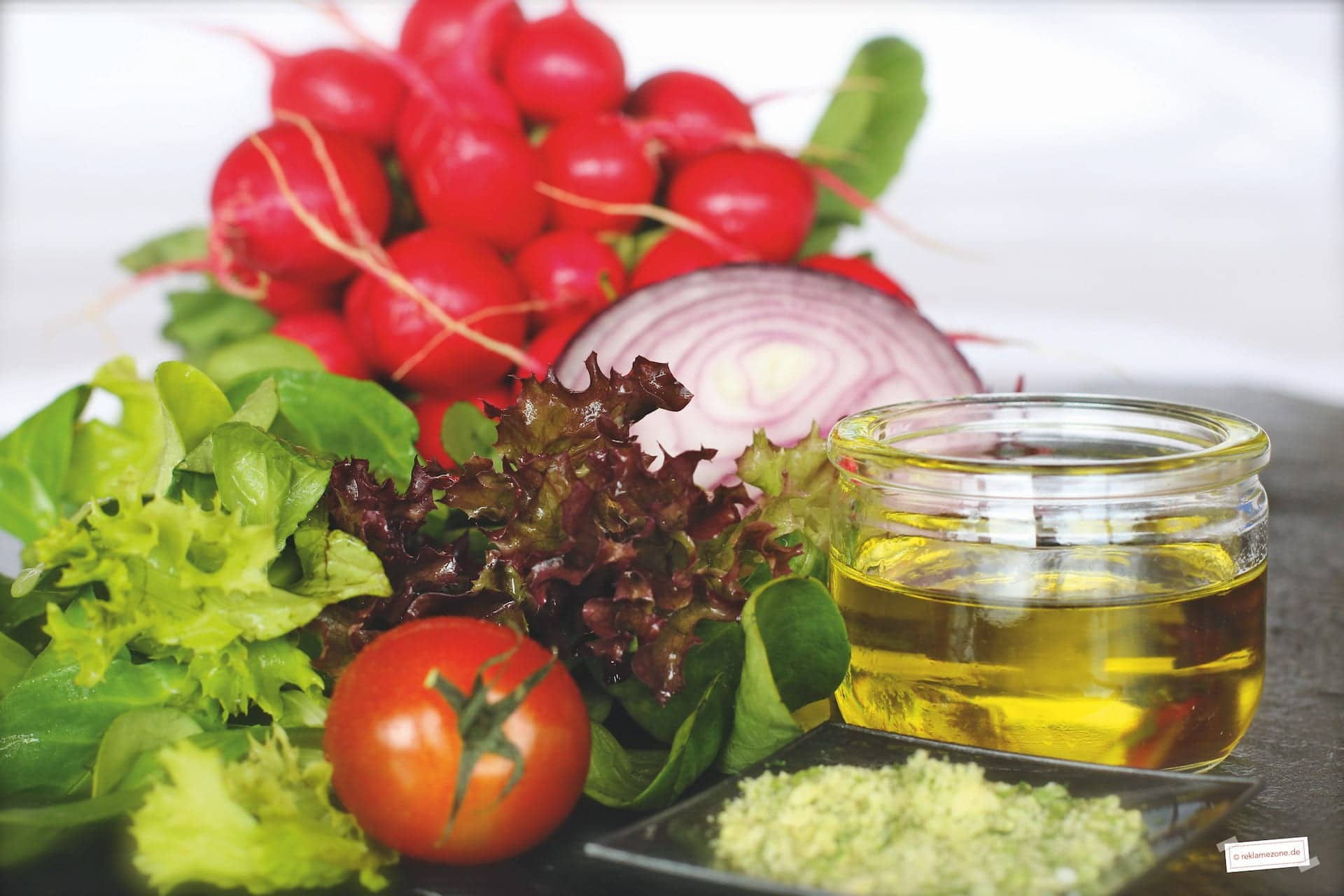Salatdressing, einfach und schnell - Foto: reklamezone.de